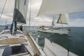 Helsal IV match-racing with Magic Miles on the Derwent River, Hobart